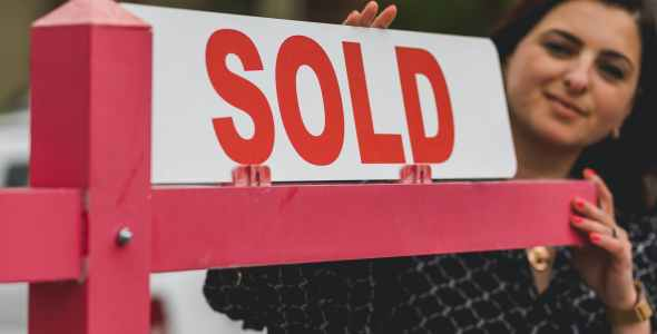 You are currently viewing June home sales soared as the number of homes for sale grew